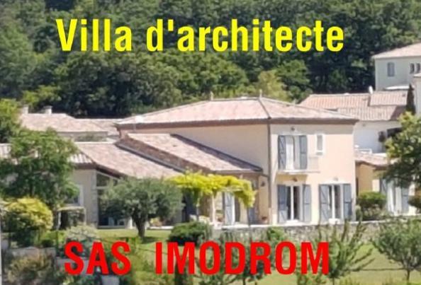 A vendre: Villa d'architecte à Puy Saint Martin
